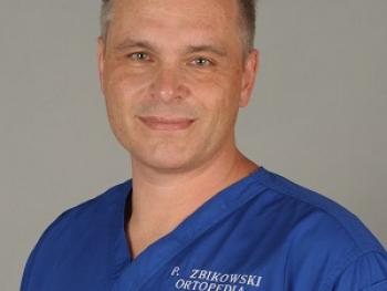 DR N. MED. PIOTR ŻBIKOWSKI W CMS