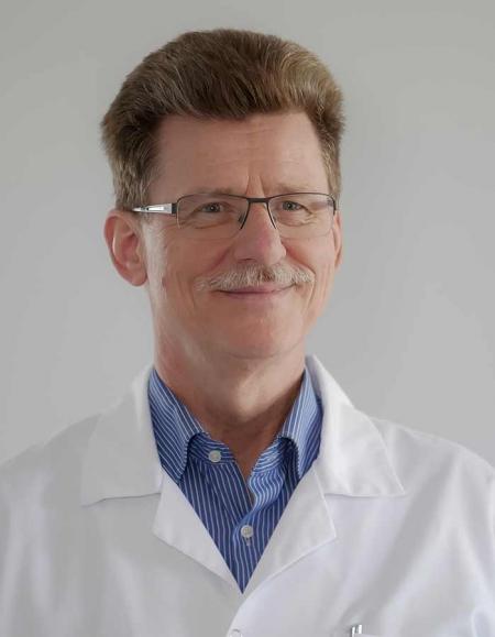 <span>dr n. med.</span> Edward Dobies