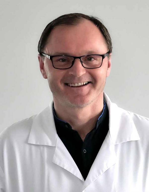 dr  n. med. Piotr Nowak
