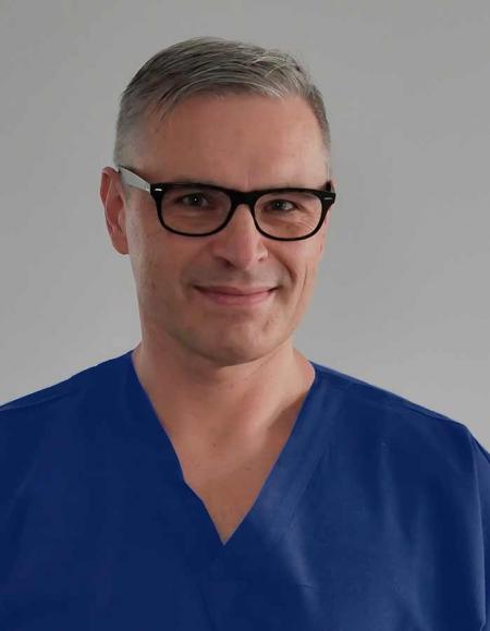 <span>dr n. med.</span> Piotr Żbikowski