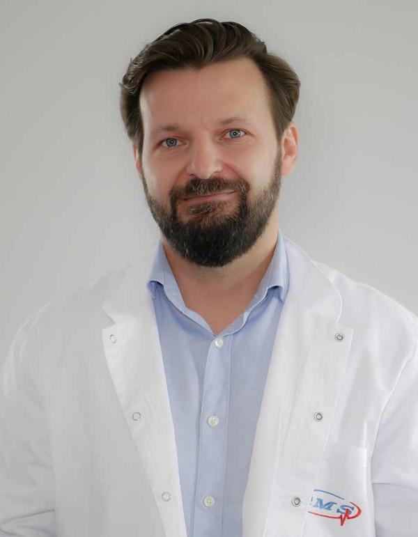 lek. med. Mateusz Jeśkiewicz